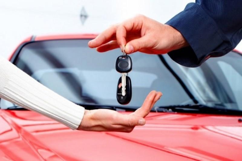 Продажа кредитного авто физлицу возможна, если все оформлять с участием банка