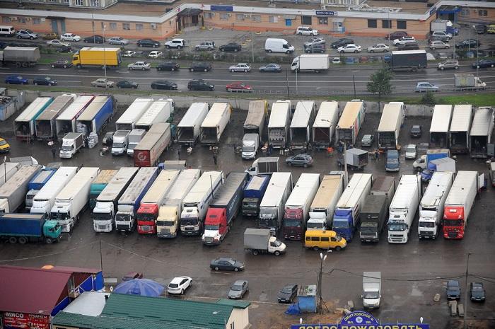 Стоянка грузовиков